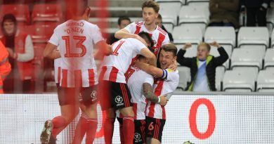 Gooch double fires Sunderland into promotion contention